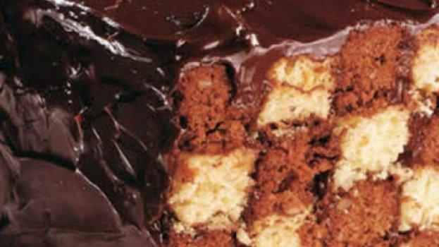 Bolo Xadrez de Laranja com Ganache de Chocolate