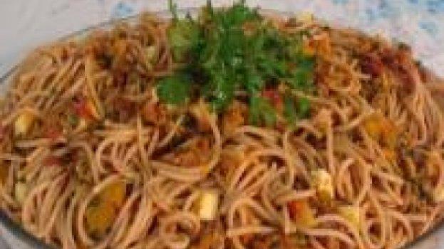 Espaguete com Carne-Seca