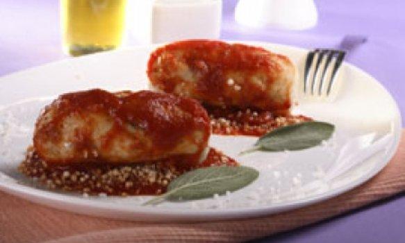 Lingüiça de peixe com molho de tomate