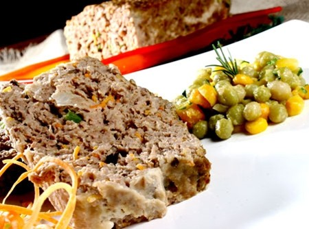 Bolo de Carne com Legumes