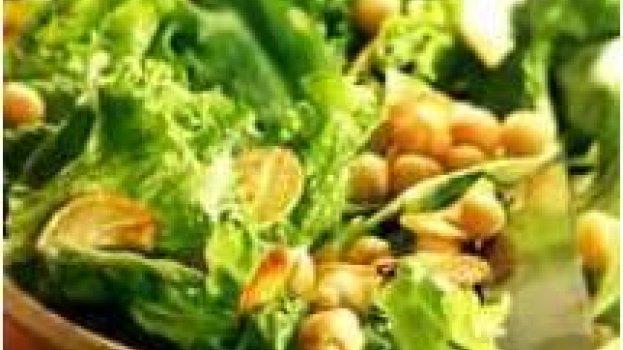 Salada de Grão de Bico, Folhas Verdes e Alho