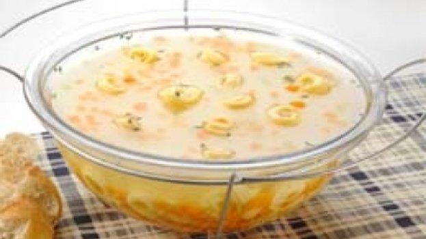 Sopa de Capeletti em Legumes