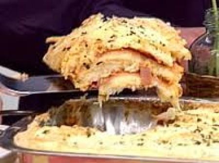 Torta salgada de presunto e queijo