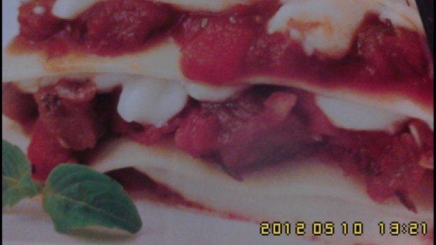 Lasanha de beringela com dois molhos
