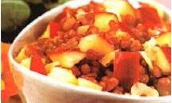 Salada de trigo com maçã e alho
