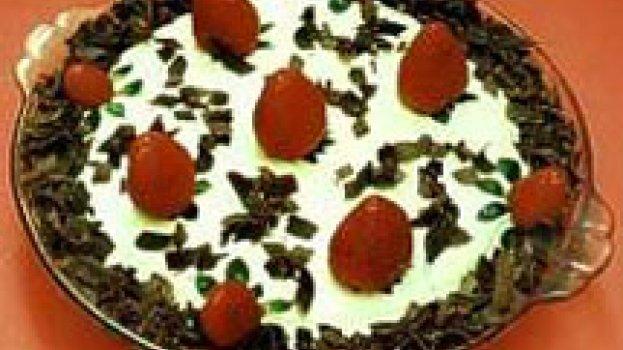 Torta de Marshmallow com Morangos