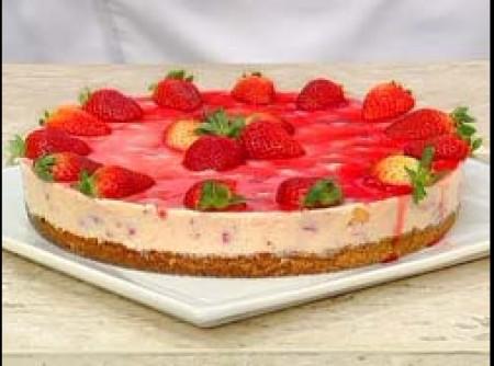 Torta de Queijo com Morangos