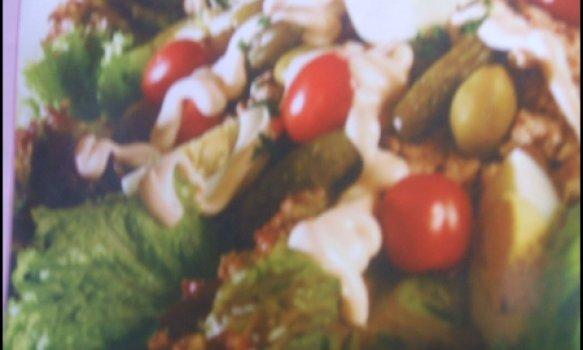 Salada de Peixe com molho rosado