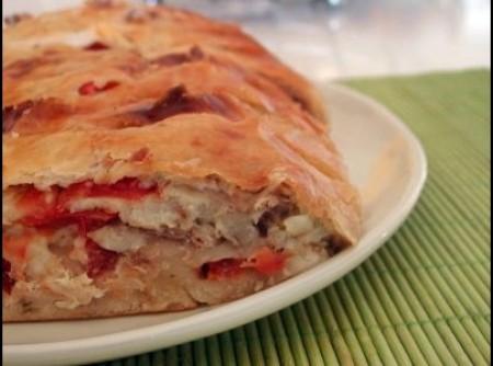 Pão de mandioca com recheio de frango e tomate seco | Sílvia corrêa