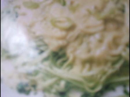 Tagliolini verde ao alho poró