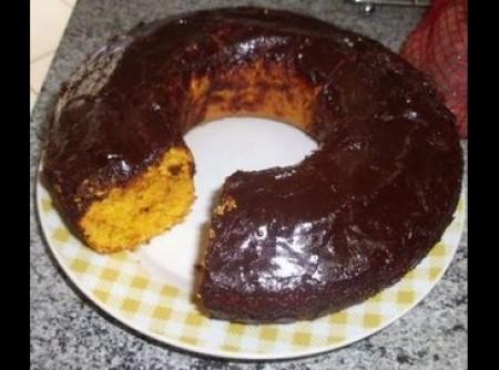 Bolo de Cenoura com Cobertura de Chocolate e Creme de Leite   Josué Rodrigues dos Anjos Júnior