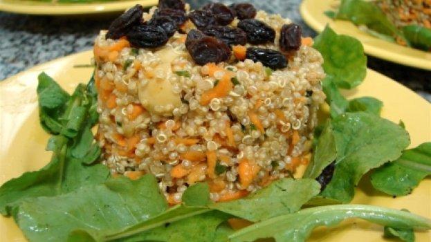 Salada de Quinoa com Mostarda e Rúcula