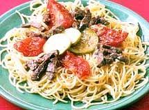 Espaguete com Molho de Carne e Abobrinha