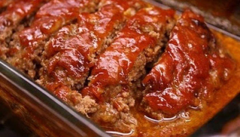 Bolo de Carne Moída com Creme de Cebola