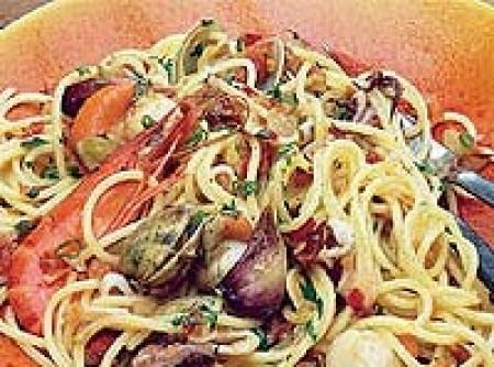 Espaguetis con frutos del mar