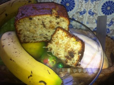 Bolo de banana com coco, passas e amêndoas | Ruy Ferraz