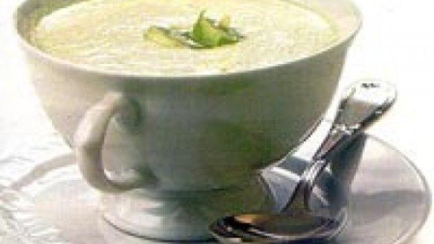 Sopa Cremosa de Alho-poró com Cottage