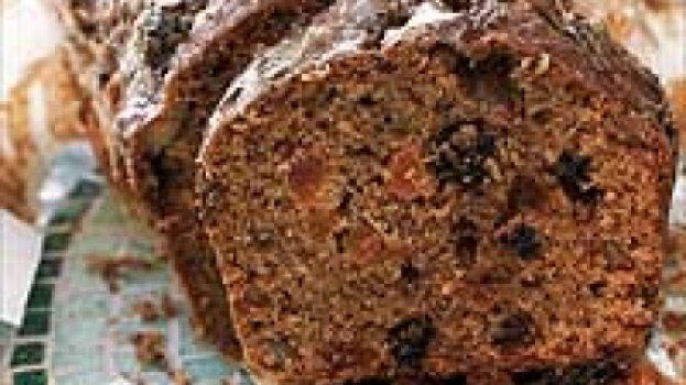 Bolo de fibras e frutas