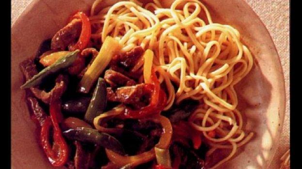 Carne à Moda de Pequim com Refogado de Pimentão