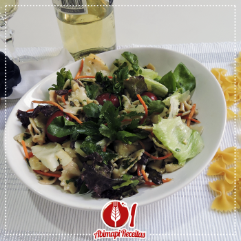 Salada de Macarrão com Molho Picante