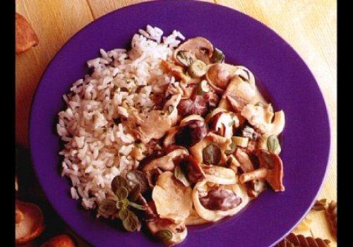 Estrogonofe de cogumelos mistos