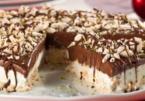 Torta Merengue com Sorvete de Limão e Chocolate