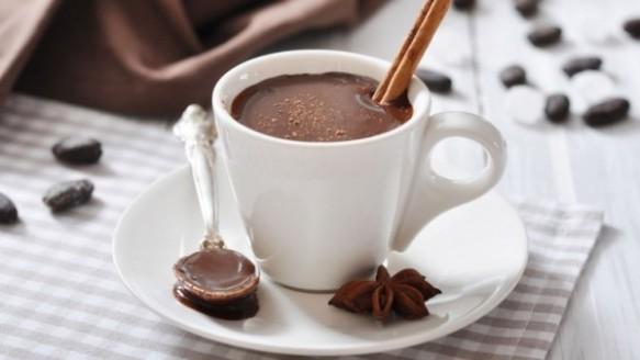 Chocolate Quente com Meio Amargo e Creme de Leite