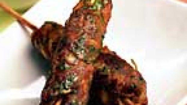 Kebabs com tomates recheados