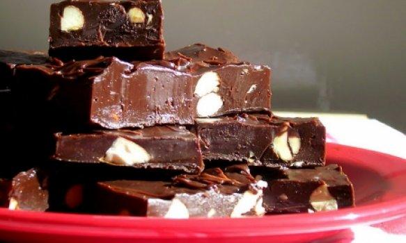 Quadradinhos de Chocolate com Amêndoas