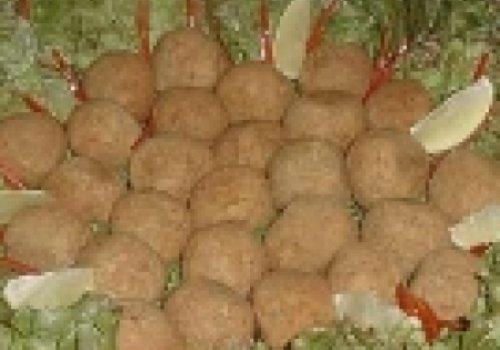 Almondegas de arroz e feijão