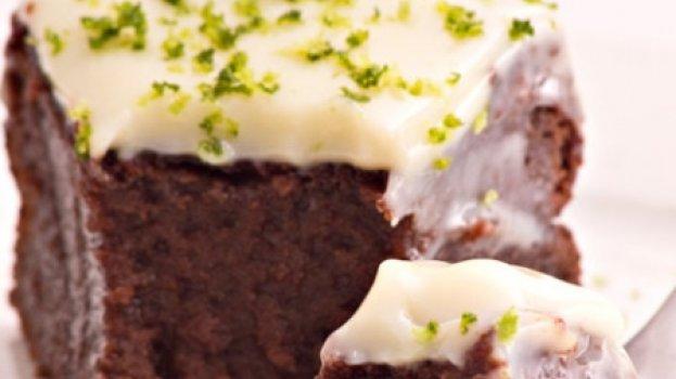 Bolo de Chocolate sem Farinha, com Cobertura de Limão