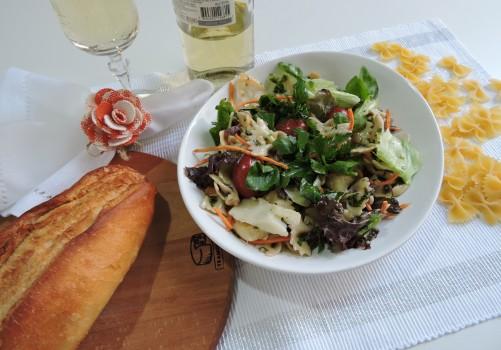 Salada de Macarrão ao Molho de Agrião e Bacalhau