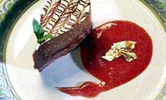 Gota de Chocolate com Calda de Framboesa