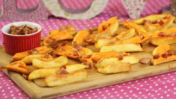 Petisco de Batata, Cheddar e Bacon | CyberCook