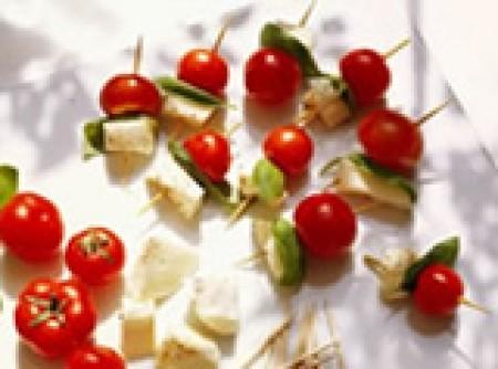 Aperitivo de tomate com queijo light
