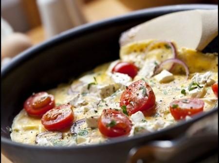 Omelete com Tomate Cereja e Queijo Branco | Antonio Carlos Ortega
