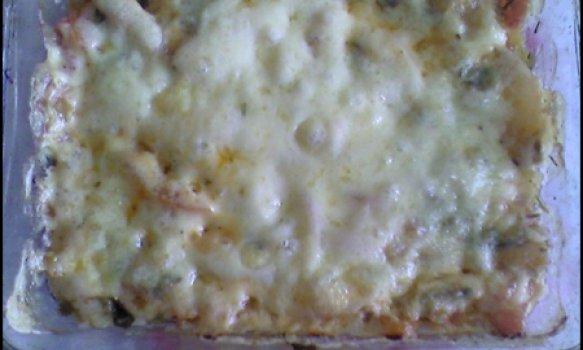 Fritada com queijo e salada
