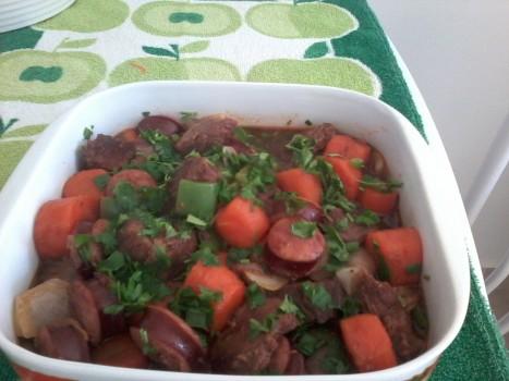 Carne com Cenouras e Linguiça Calabresa
