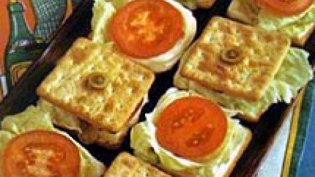 Canapés de Camarão e Tomate