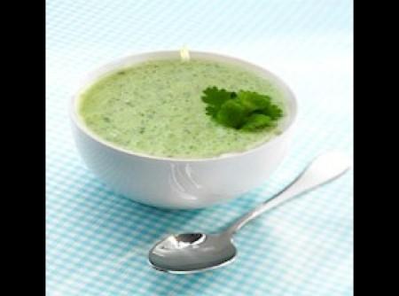 Palak Raita ( espinafre com iogurte )