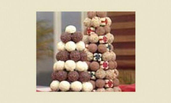 Arvore de natal com bombons de chocolate