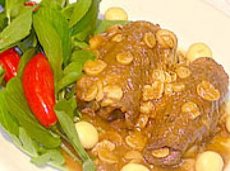 Bifes rolês com legumes