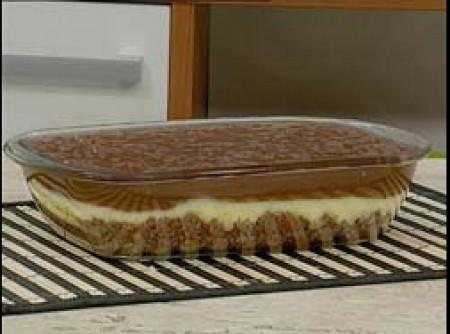 Torta Cremosa de Chocolate Branco e Meio-Amargo