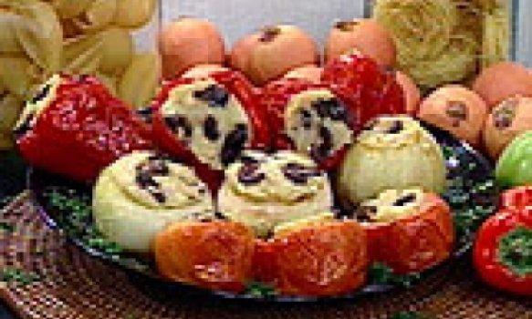 Pimentões, Tomates e Cebolas Recheados à Italiana