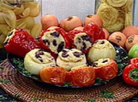 Pimentões, Tomates e Cebolas Recheados à Italiana | raimundo lima