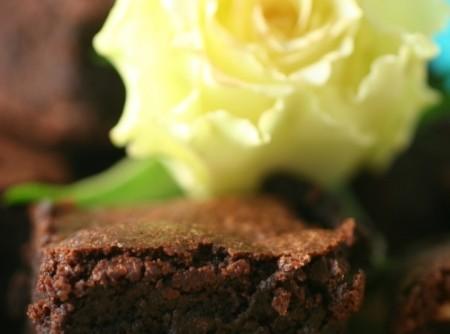 Bolo de Chocolate com Farinha de Avelãs   Mônica de Oliveira