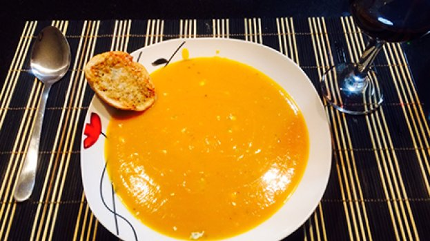 Sopa de Abóbora com Roquefort