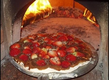 Pizza de Morango com Chocolate
