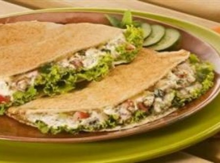 Sanduíche com tabule cremoso