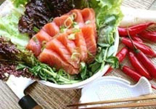 Salada de Sashimi